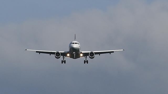 aircraft-3239599_640