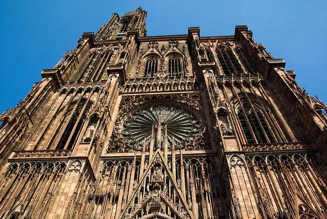strasbourg-909343_640